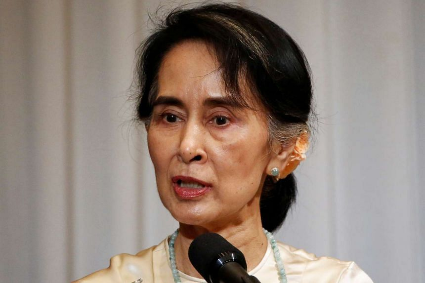 Myanmar State Counsellor Aung San Suu Kyi delivering a speech during a luncheon organised by Japanese business and economic associations in Tokyo, Japan, on Nov 4, 2016.