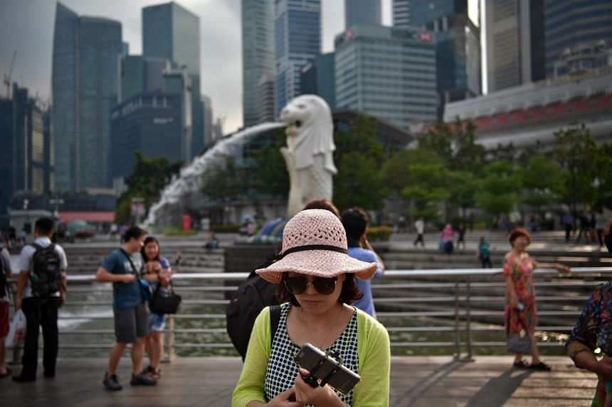 Singapore's tourism and food and beverage sectors have performed better this quarter in customer satisfaction index.