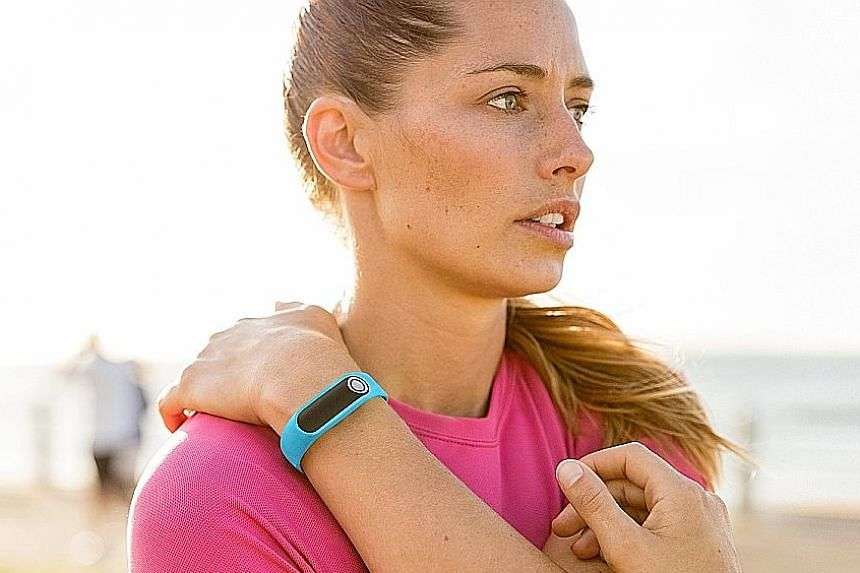 Looks aren't everything about the Tomtom Touch fitness tracker.