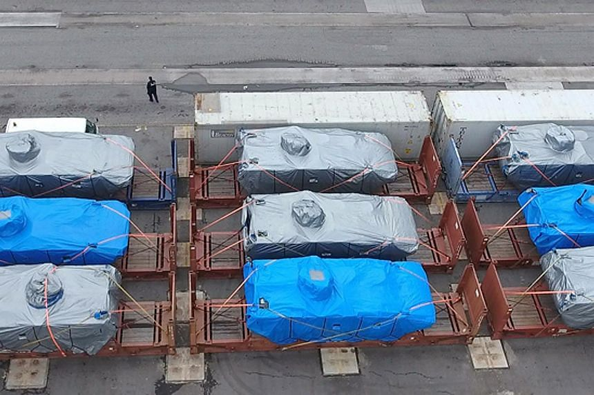 The nine armoured vehicles belonging to the Singapore Armed Forces (SAF), which were bound for Singapore after being used for overseas training, have been seized by Hong Kong Customs at a port in the city.