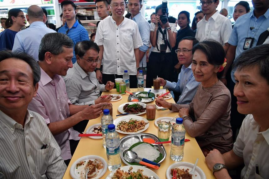 (From left) Singapore Ambassador to Myanmar Robert Chua,  Foreign Minister Vivian Balakrishnan, Myanmar Union Minister for Ministry of Commerce Dr Than Myint,  Myanmar Minister of State for Foreign Affairs U Kyaw Tin, Myanmar State Counsellor Daw Aun