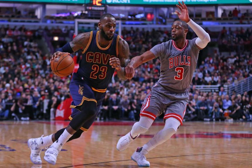 Cleveland Cavaliers forward LeBron James (23) drives past Chicago Bulls guard Dwyane Wade (3) during the second half at the United Center on Dec 3, 2016.