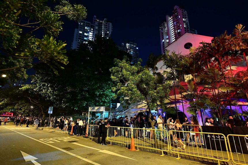 The queue outside Zouk on its last day of operations at Jiak Kim Street on Dec 3, 2016.