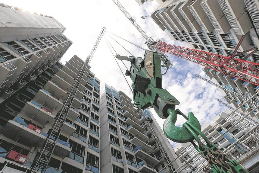 """The """"smart crane"""" system being tested at the Signature at Yishun executive condominium site."""