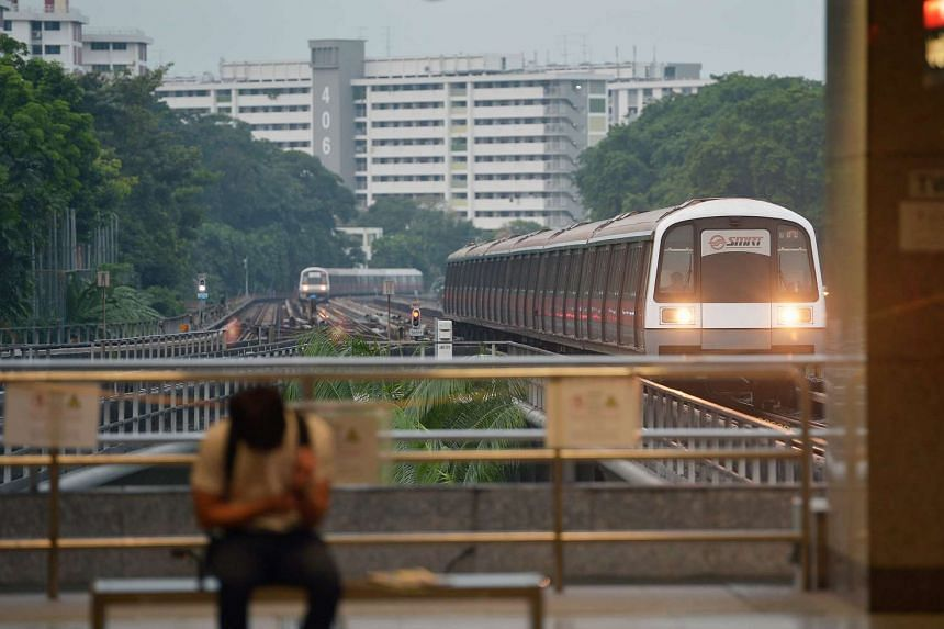 SMRT said that the new signalling system for trains on the North-South and East-West lines will be delayed.