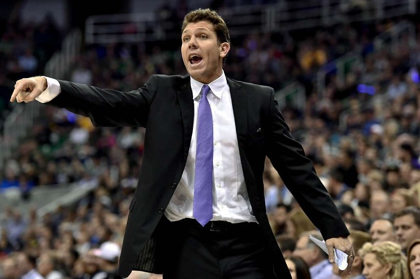 Los Angeles Lakers head coach Luke Walton has been fined US$15,000 (S$21,600) for verbally abusing a game official and failing to leave the court promptly when he was tossed from Monday's loss to the Sacramento Kings.