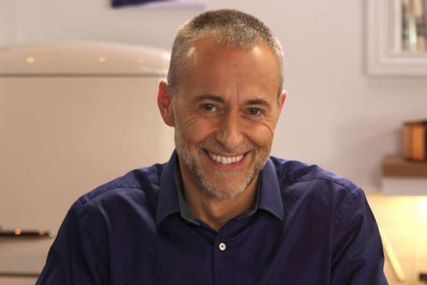 Michel Roux Jr of two-Michelin-starred restaurant Le Gavroche in London, has admitted that the restaurant does not distribute money collected from service charge to its staff.