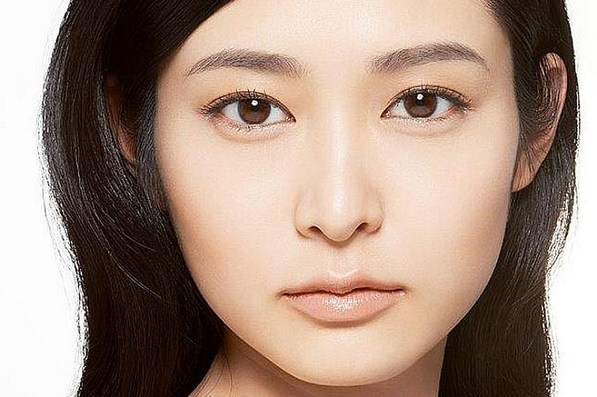 More Seeking Help For Botched Brows Fashion News Top Stories