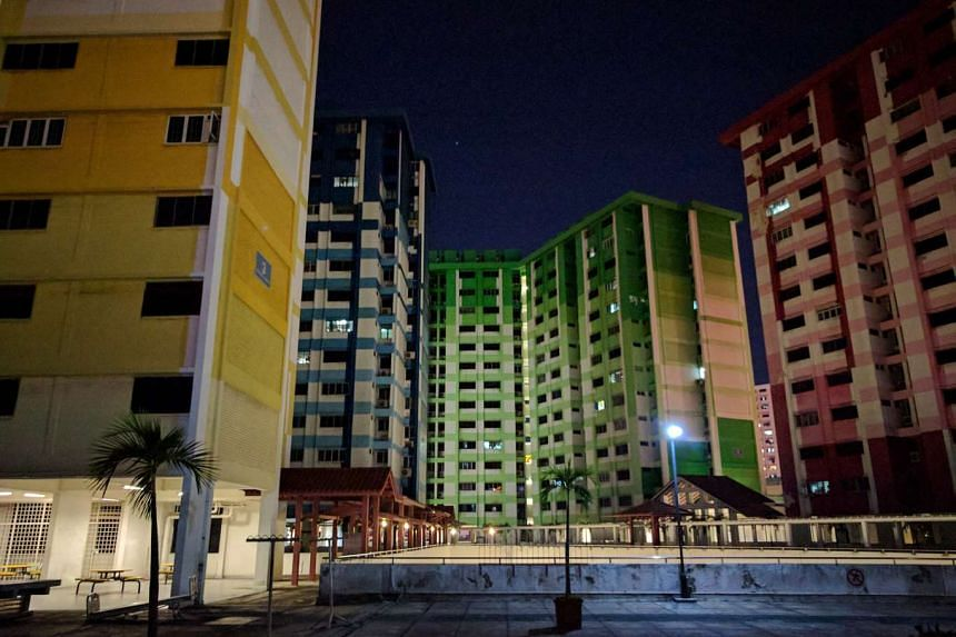 The majority of the residents in the four blocks in Rochor Centre have moved out and the neighbourhood has become almost a ghost town. The HDB says it will work with the remaining households to help them move to their new homes as soon as possible.