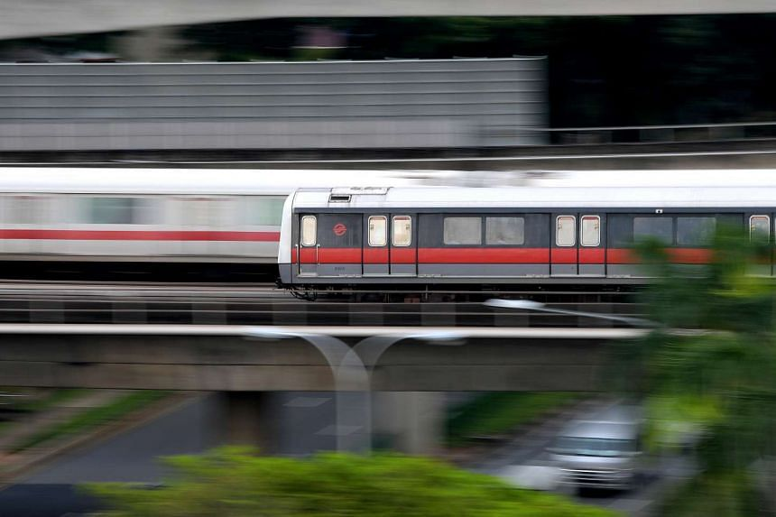 SMRT's train and selected bus services will extend their operating hours on New Year's Eve.