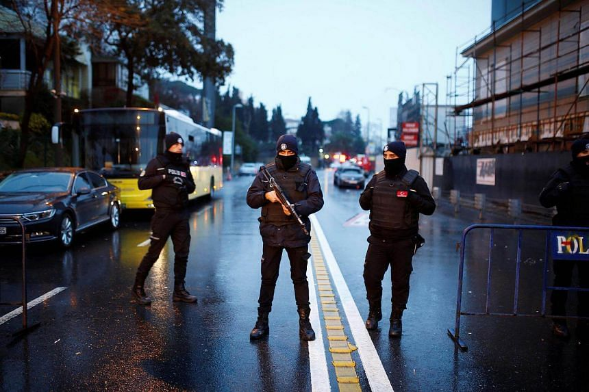 Police secure the area near an Istanbul nightclub, following a gun attack, in Turkey, on Jan 1, 2017.