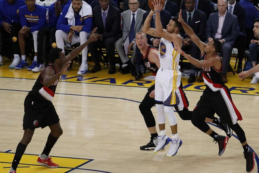 Golden State Warriors star guard Stephen Curry scored 35 points and hit five three-pointers to lead his team to a 125-117 victory over the Portland Trailblazers on Jan 4, 2017.