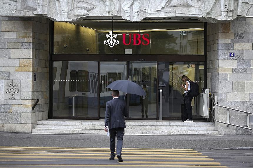 UBS said family offices in Asia, whose goal is to grow the wealth of rich families, switched out of hedge funds after they trailed stock markets in the wake of the 2008 financial crisis.