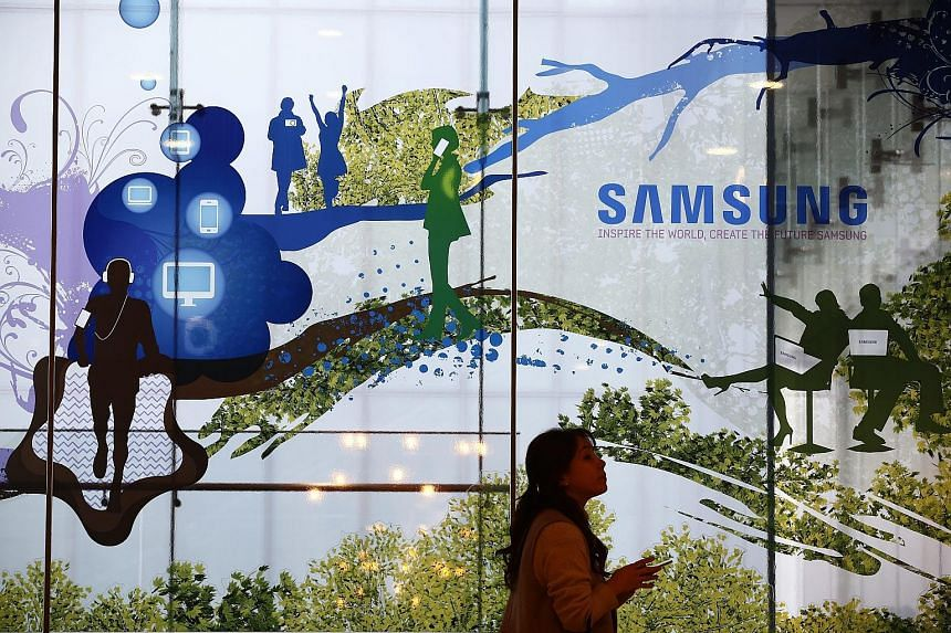 Samsung posted a 50 per cent surge in quarterly operating profit after demand from Chinese smartphone brands pushed up memory chip prices and buoyed the unit that makes organic LED screens.