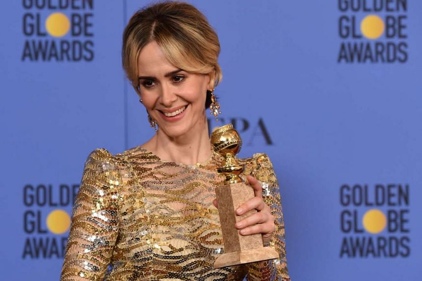 Sarah Paulson (American Crime Story: The People v. OJ Simpson) with her Best Actress In Miniseries Or TV Movie award.