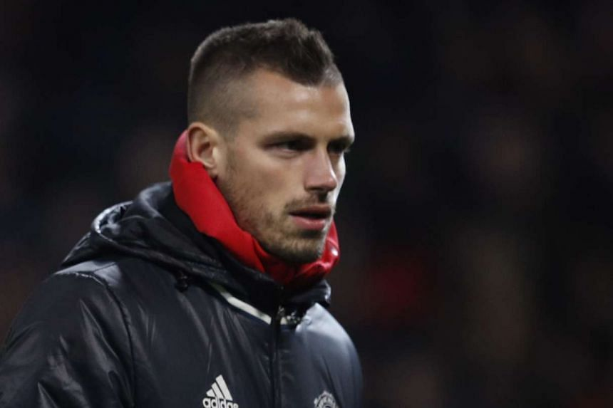 Manchester United have agreed to sell midfielder Morgan Schneiderlin to Everton for a fee of £22 million (S$38.5 million).