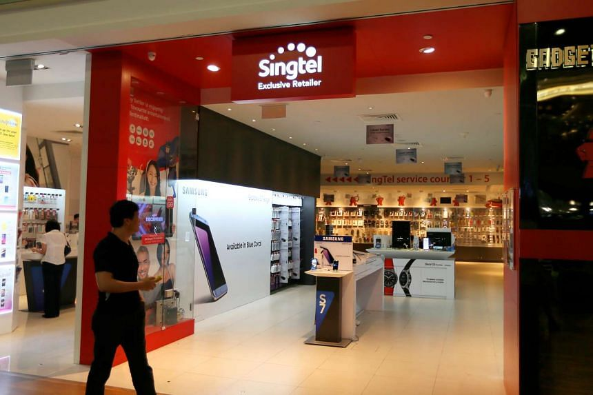 Singtel has upgraded its 4G mobile network, bringing top surfing speeds to 450Mbps from 300Mbps previously.