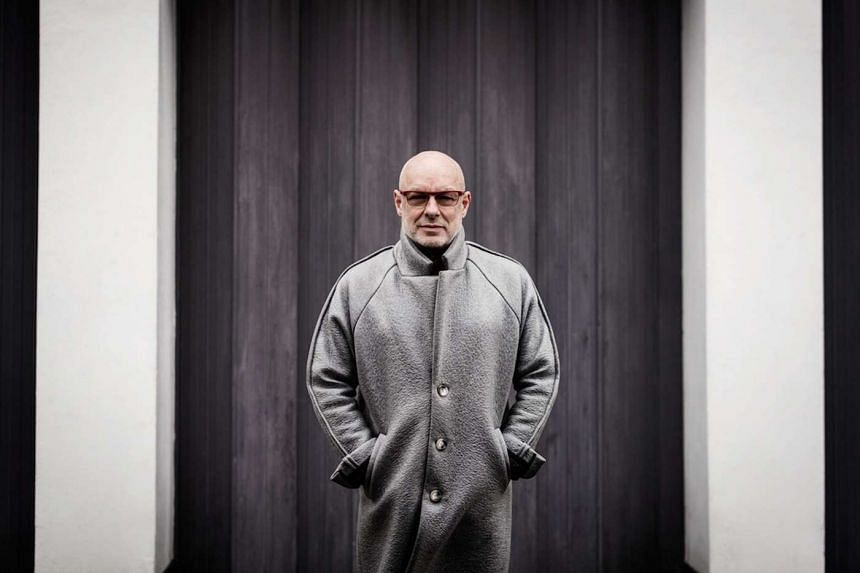 Brian Eno's latest missive, Reflection, offers two options: a one-track contemplation lasting 54 minutes and a generative app that creates endless permutations of images and splashes of sound.