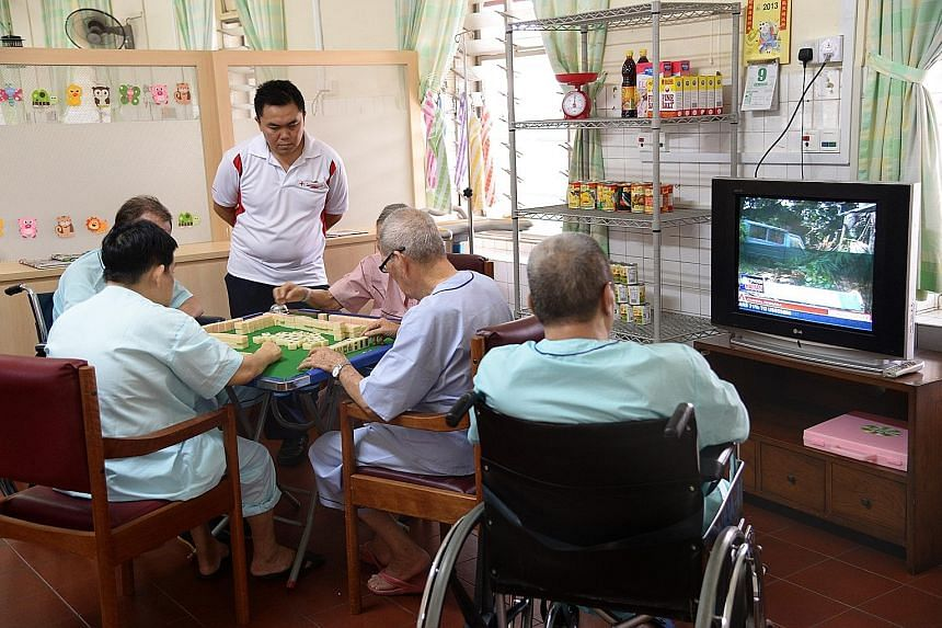 Kwong Wai Shiu Hospital runs a nursing home, a care centre for seniors and a traditional Chinese medicine clinic, as well as offers home care services for seniors.