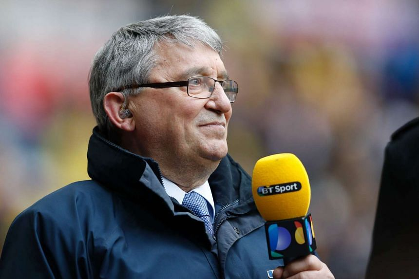 Former England manager Graham Taylor has died from a heart attack at the age of 72.