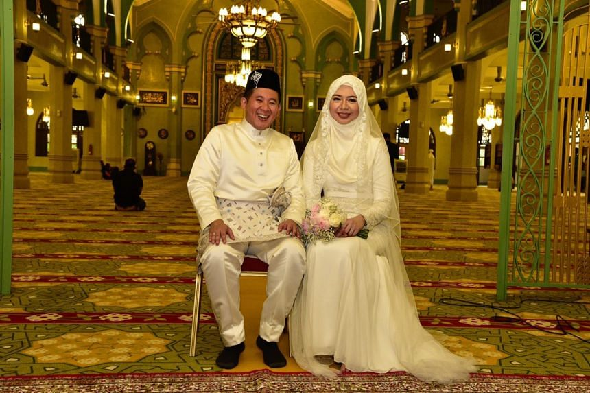 Parliamentary Secretary for Home Affairs Amrin Amin, 38, tied the knot with family doctor Shariffah Nadia Aljunied, 30, on Friday (Jan 13).