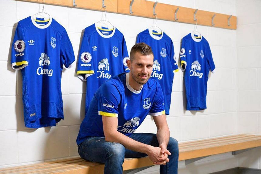 New Everton signing Morgan Schneiderlin will work together once more with manager Ronald Koeman. The pair were previously at Southampton.