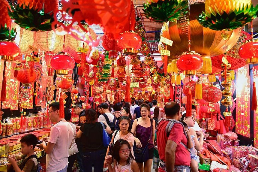 With two more weeks to Chinese New Year, many Singaporeans are busy making preparations for the annual Spring Festival. Hot spots like Chinatown are buzzing with activity as shoppers suss out favourites such as bak kwa and pineapple tarts. The good n