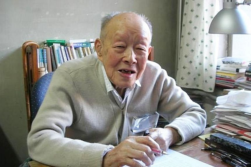 Mr Zhou Youguang was an economist who worked in New York for three years. After returning to China, he was conscripted by the Chinese government to develop an accessible alphabetic writing system.