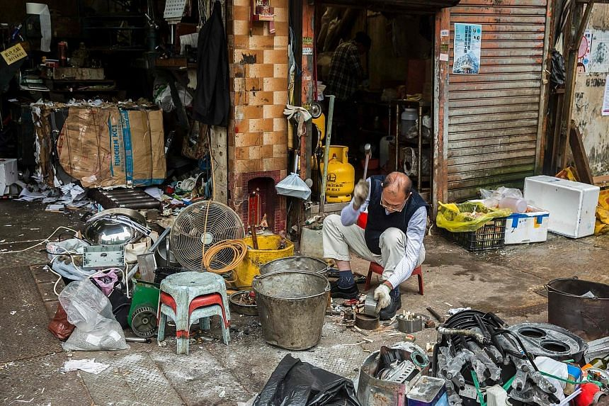 Electronic components at a recycling shop in Hong Kong, the worst-offending economy in Asia in terms of e-waste generation in 2015. Cambodia, Vietnam and the Philippines were among the lowest e-waste generators.