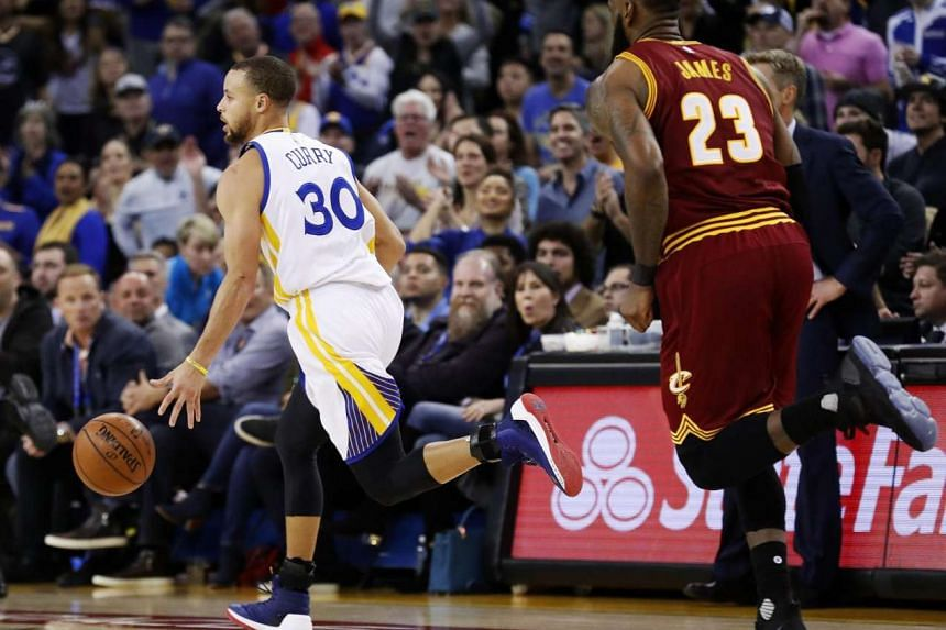 Point guard Stephen Curry (left) and the Golden State Warriors left Lebron James and the Cleveland Cavaliers eating their dust as the Warriors got off a hot start and did not let up for a 135-91 win on Jan 16, 2017.