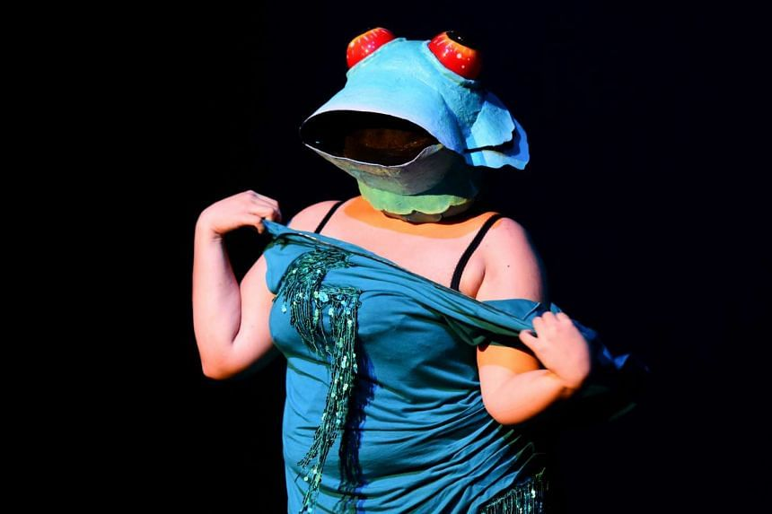 Toralina Purrverse (above) in the sold-out revue, Foreign Bodies, by Skin In SIN.