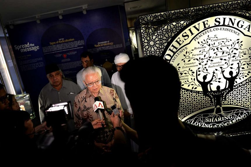 President Tony Tan Keng Yam at the Religious Rehabilitation Group (RRG) Resource and Counselling Centre at Khadijah Mosque on Jan 18, 2017.