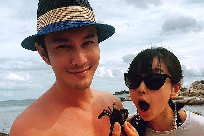 Actress Angelababy gave birth to a son on Tuesday in Hong Kong while accompanied by husband Huang Xiaoming.
