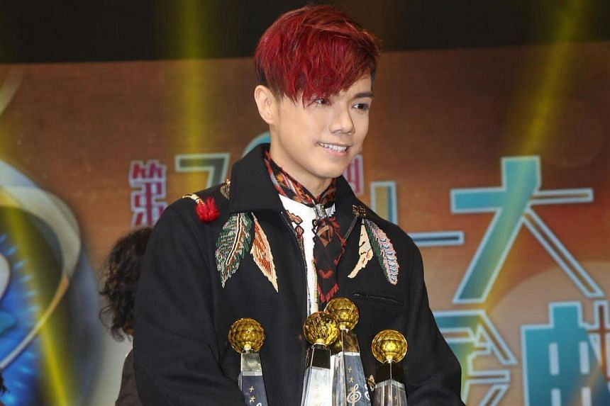 Singer Hins Cheung is dropping out of the Hunan TV reality show Singer.