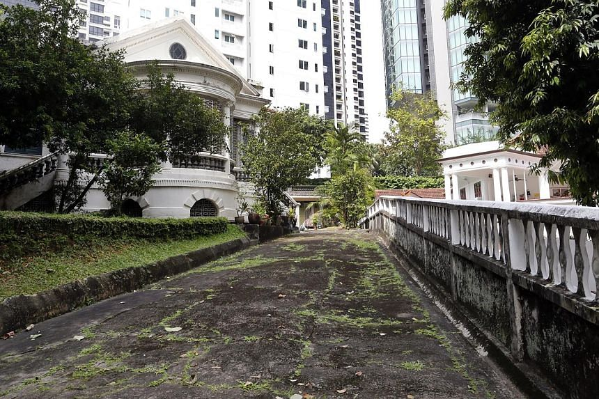 9 Claymore Road - The bungalow is owned by Mr Tan Kheng Chuan who reportedly owned Hiap Ann Sago Factory which has since been deregistered. The building has been abandoned since the 1970s. A 2007 report pegged its value at $151.5 million.