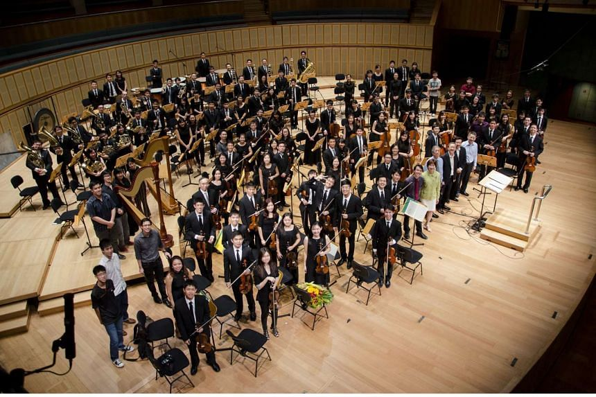 There was a heavy dose of Rachmaninov and Saint-Saens in the Orchestra of the Music Makers' latest concert.