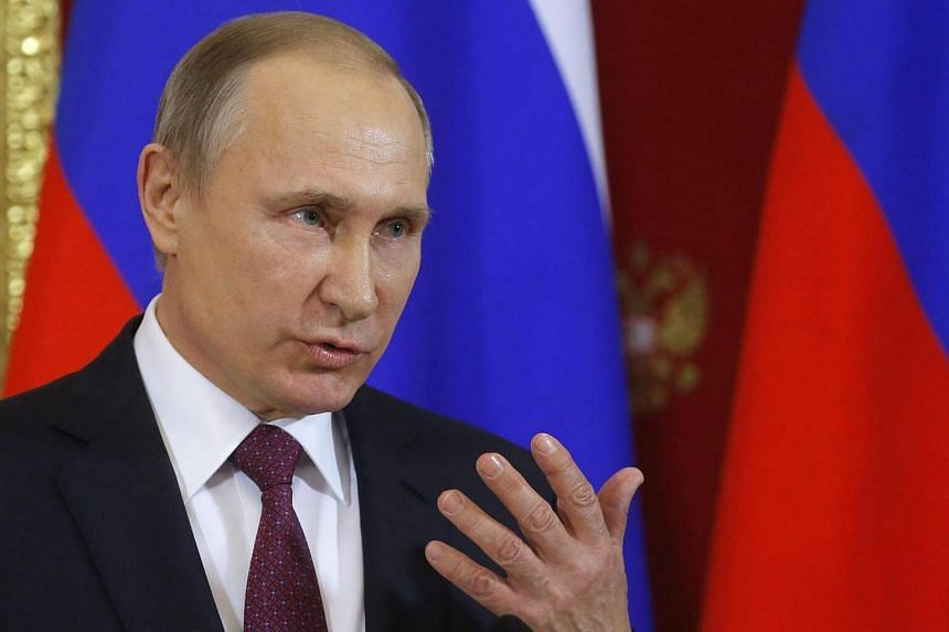 The spokesman for Russian President Vladimir Putin stressed during a television interview that the Kremlin would adopt a wait-and-see approach with the new US President, on key issues such as the crisis in Ukraine, Syria and bilateral ties.