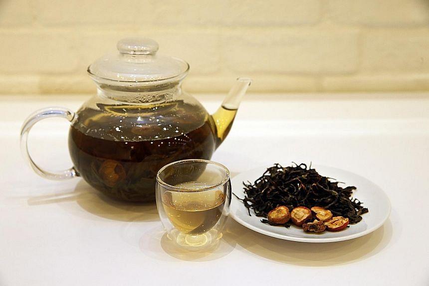 Hawthorn oolong tea.