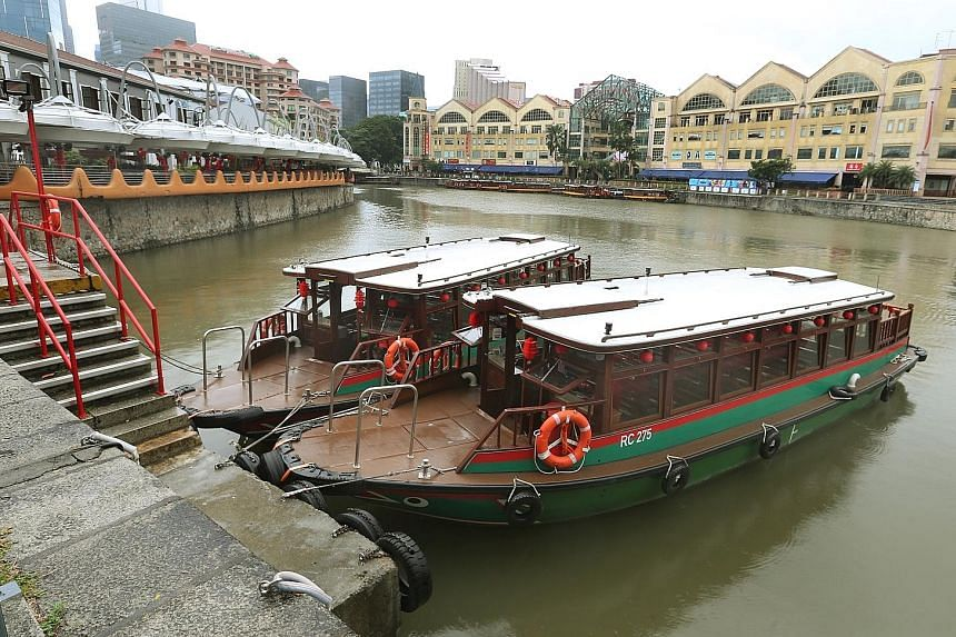Besides taxi and cruise services, new river taxi service Water B offers platform boats for special events that can be converted into a floating bar or restaurant if needed.