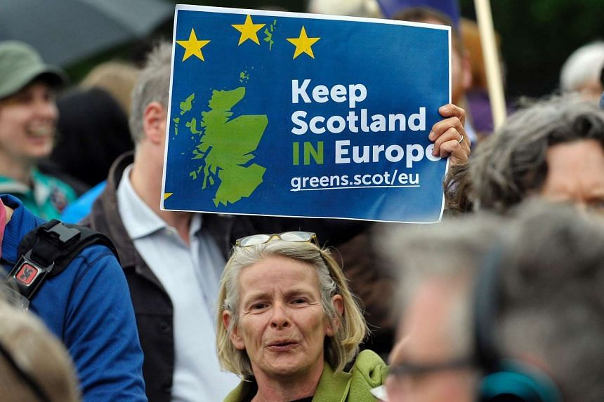The Scottish National Party proposed four amendments to British Prime Minister Theresa May's draft law to officially trigger Brexit.