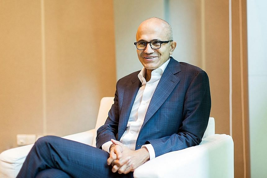 Mr Nadella gets on board as Starbucks is moving to expand its digital capabilities.