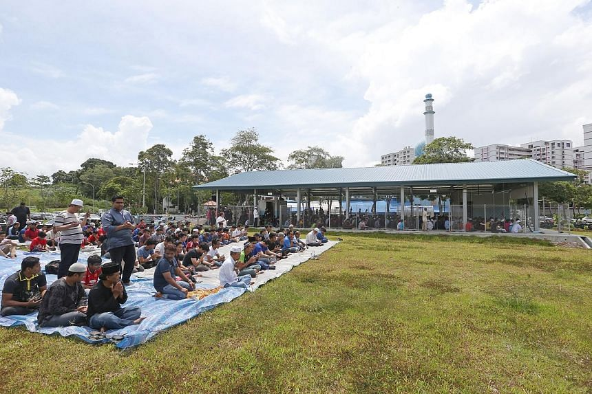Even as the Al-Istighfar Mosque in Pasir Ris opened a temporary prayer facility yesterday to cater to the large number of Muslim worshippers for its Friday prayers, the bigger than expected turnout resulted in the mosque laying out extra sheets besid