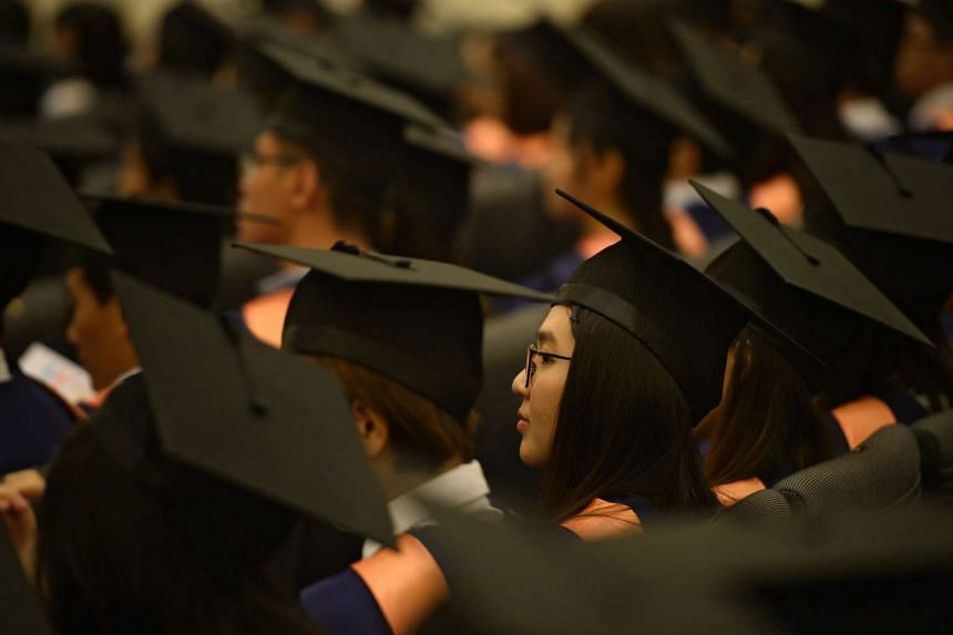 Graduates at the National University of Singapore 2016 commencement ceremony.