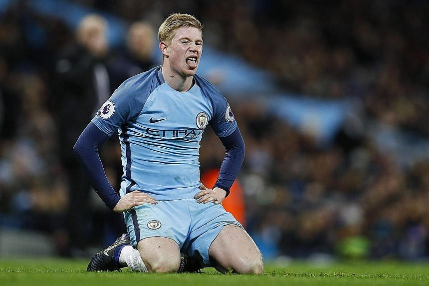 The dejection displayed by Manchester City's Kevin de Bruyne in the match against Burnley last month should lift with the return of Fernandinho from suspension.