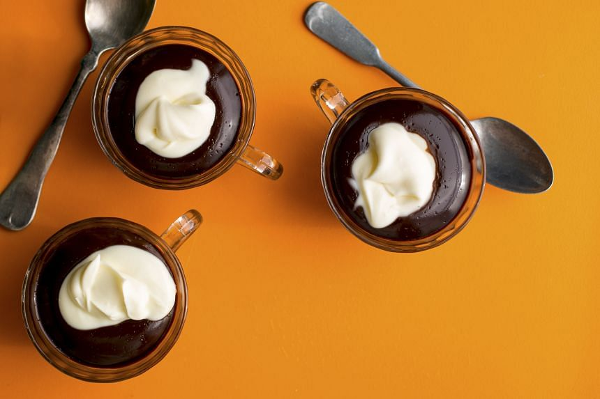 You can make one big batch of pudding, or divide them into individual cups for an easier serve.