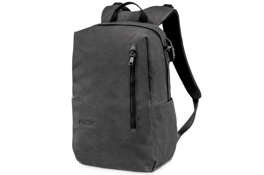 Sturdy shoulder straps make the Pacsafe Intasafe Backpack 20L comfortable to carry.