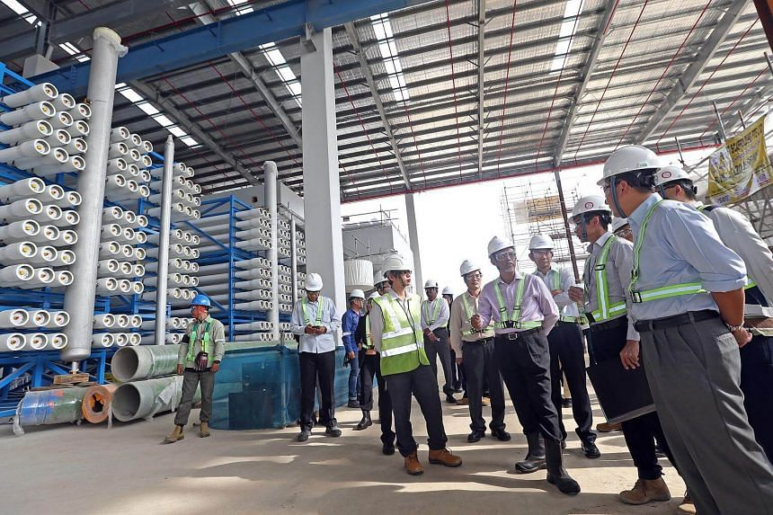(Front, third from right) Mr Masagos Zulkifli (Minister for Environment and Water Resources) visits the Tuas Desalination Plant 3 on Feb 7, 2017.