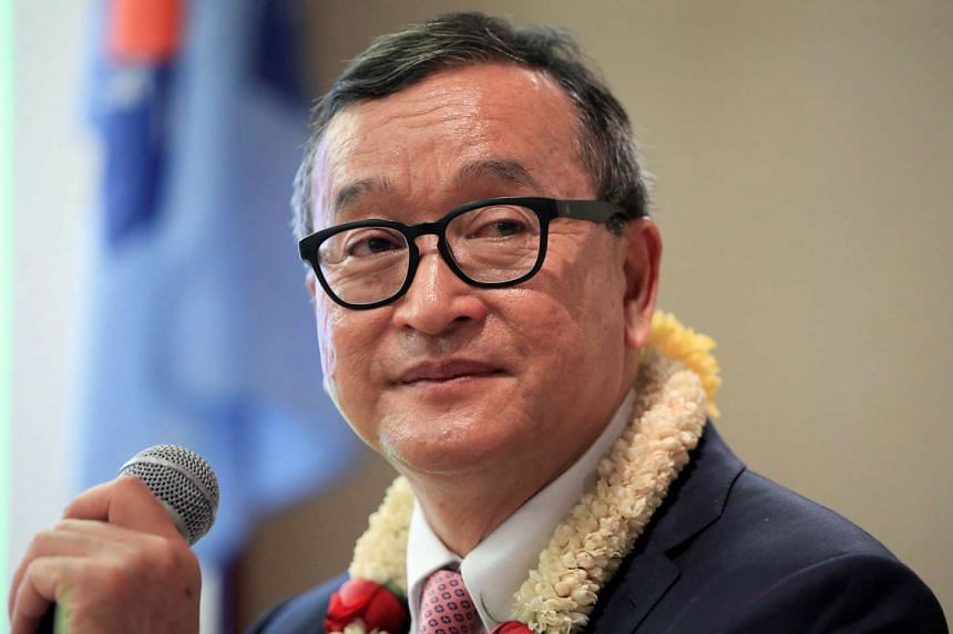 Cambodian opposition leader Sam Rainsy delivering a speech to party members in the Philippines, June 29, 2016.