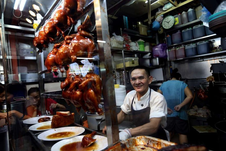 Michelin-starred hawker Chan Hong Meng has confirmed that he will set up his first overseas outlet in Hoiiyi Main Station, a mall near Taipei Main Station.