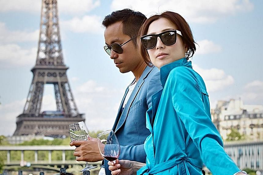 The romance between Katrina (Sammi Cheng), a fastidious boss, and her assistant Xiao Bo (Joseph Chang) never takes off.